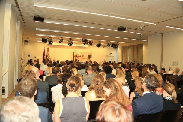 Etwa 300 Gäste kamen zur Eröffnung des Brüsseler Büros. Quelle: IW Köln