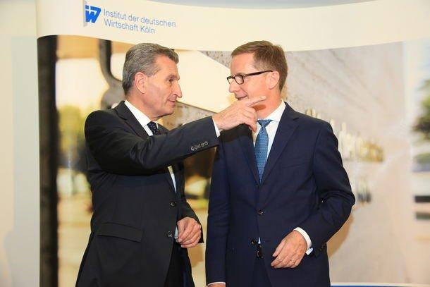 Günther Oettinger, EU-Kommissar für Digitale Wirtschaft und Gesellschaft, im Gespräch mit Michael Hüther, Direktor des Instituts der deutschen Wirtschaft Köln Quelle: IW Köln