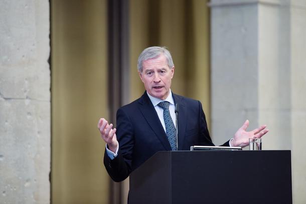 Jürgen Fitschen berichtet von seinen Erfahrungen zum Kulturwandel in der Finanzbranche. Foto: Kerstin Müller